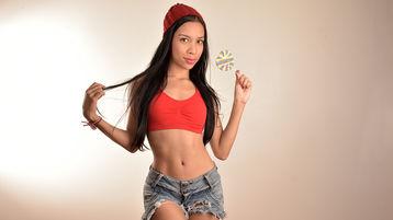 Show-ul fierbinte al lui AiminWax – Fata pe Jasmin