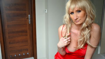 Viickyy's hot webcam show – Mature Woman on Jasmin