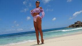 Show-ul fierbinte al lui VelvetQween – Fata pe Jasmin