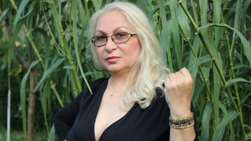 DianaKiss's hot webcam show – Mature Woman on Jasmin