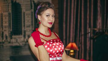 Show-ul fierbinte al lui NancyElasticBB – Fata pe Jasmin