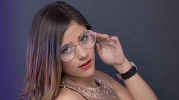 Show-ul fierbinte al lui JessieBrand – Fata pe Jasmin