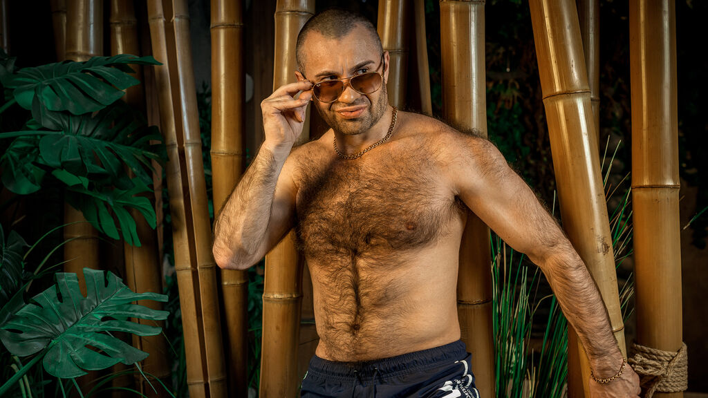 Live Gay Webcam Chat with Hot Young Muscle Stud - SergAnsel