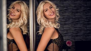 Show-ul fierbinte al lui NadiaSanders – Fata pe Jasmin
