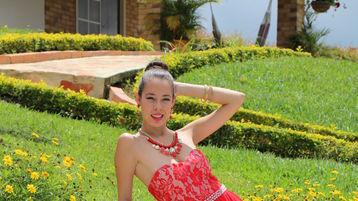 Show-ul fierbinte al lui SlenderKeila – Fata pe Jasmin