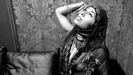 AmiraSerious | Arabianchickslive