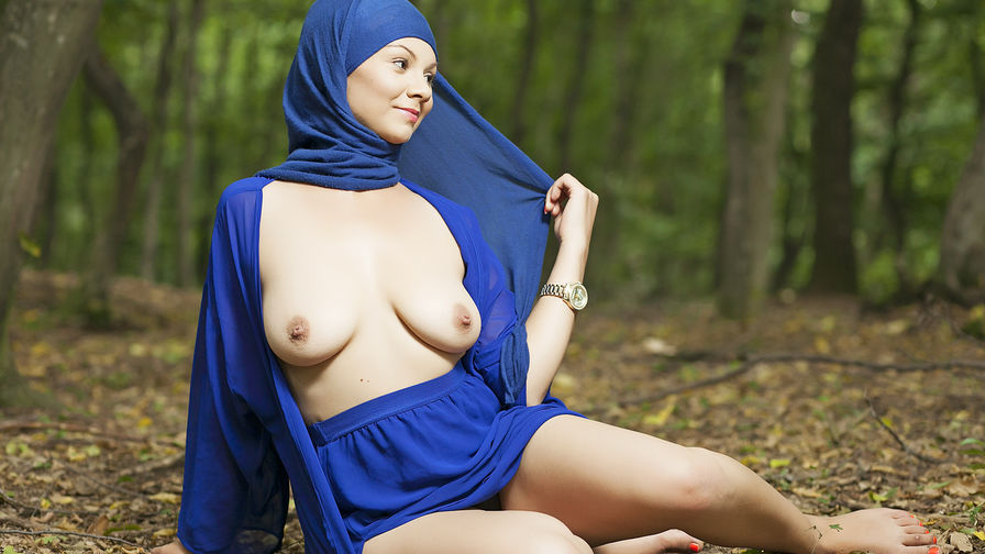 Small porno arab can