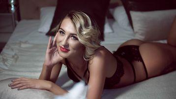 Show-ul fierbinte al lui JoeyCover – Fata pe Jasmin