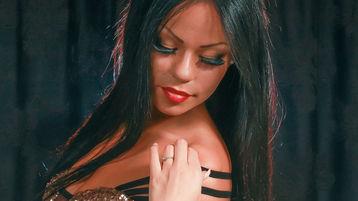 Show-ul fierbinte al lui WILDNICOLExxx – Fata pe Jasmin
