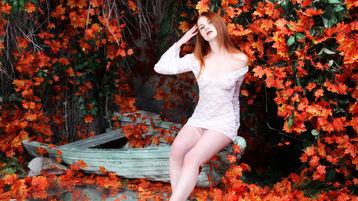 Show-ul fierbinte al lui RedDesireAnelie – Fata pe Jasmin