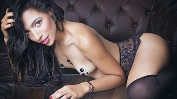 Show-ul fierbinte al lui BiancaFolk – Fata pe Jasmin
