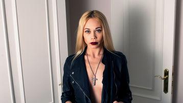 Show-ul fierbinte al lui EvaAngelS – Fata pe Jasmin