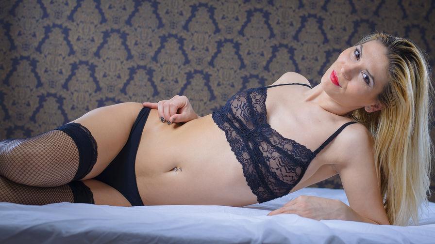 AishaAddiction | Livelady