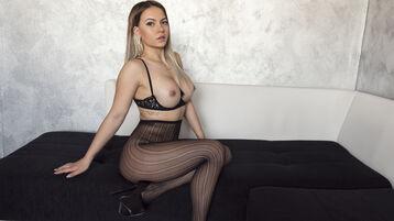 Show-ul fierbinte al lui queensquirt20 – Fata pe Jasmin
