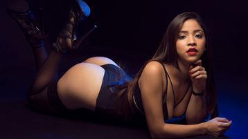 Show-ul fierbinte al lui MiaKebbel – Fata pe Jasmin