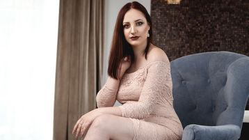 Show-ul fierbinte al lui JenniferDown – Fata pe Jasmin