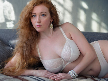 GingerJulia | Bustymilf