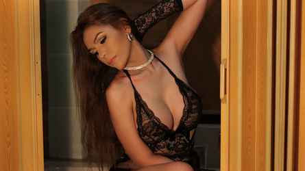 MISSTRANSEXDOL | MyTrannyCams