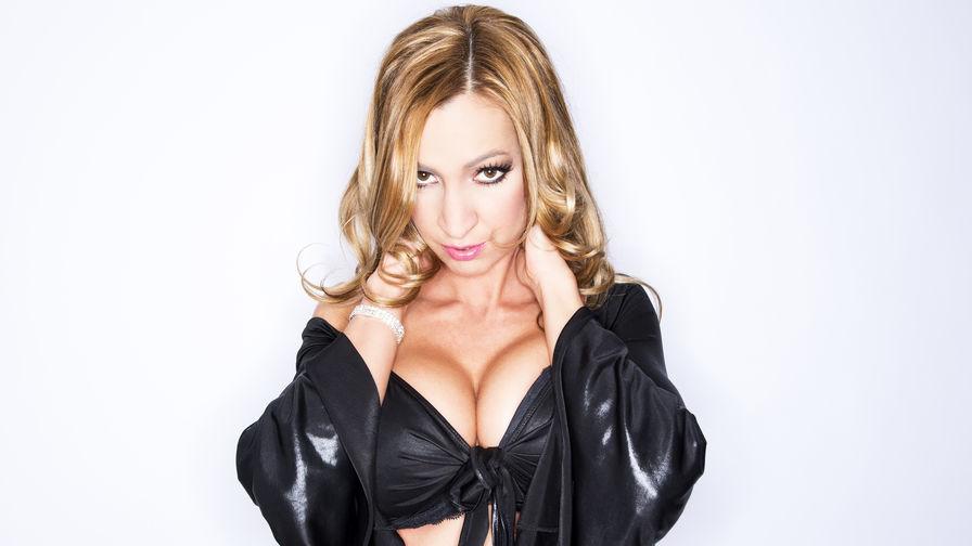 SexyJulieXXX | Showload