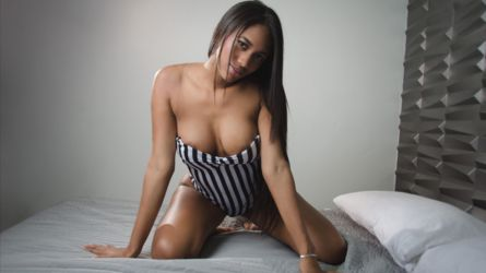 SamanthaWilliams | Camrabbit