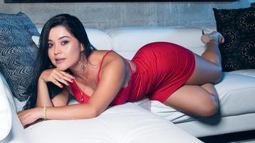 Show-ul fierbinte al lui ClassySalome – Fata pe Jasmin