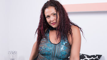 Show-ul fierbinte al lui Sochysquirts – Fata pe Jasmin