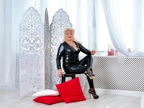 GrannyNeeeds | Hottestgirlslive