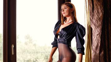 Show-ul fierbinte al lui MinaDiamond82 – Fata pe Jasmin