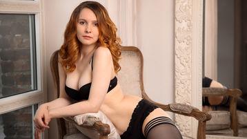 Show-ul fierbinte al lui FoxyVirgin – Fata pe Jasmin