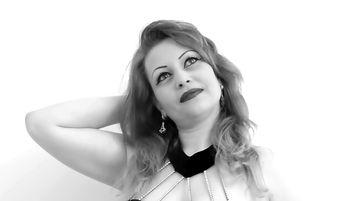 01HOTWIFE's hot webcam show – Mature Woman on Jasmin