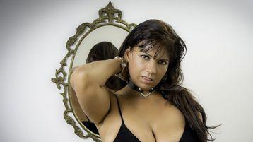 Show-ul fierbinte al lui ShantalBonnet – Fata pe Jasmin