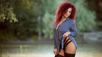 Show-ul fierbinte al lui CurlyAmy – Fata pe Jasmin