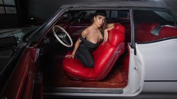 Show-ul fierbinte al lui Stassi – Fata pe Jasmin