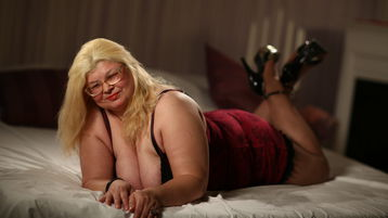 BettyRich's hot webcam show – Mature Woman on Jasmin