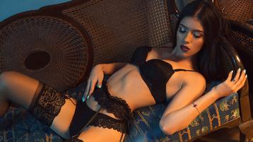 Show-ul fierbinte al lui SophieDolce – Fata pe Jasmin