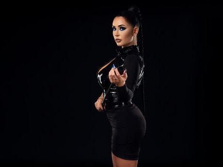Elenya | Mixedmagazinelive