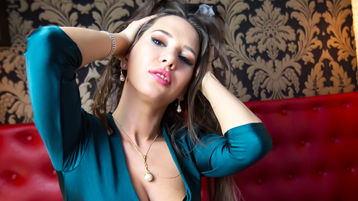 Show-ul fierbinte al lui HellenStar – Fata pe Jasmin