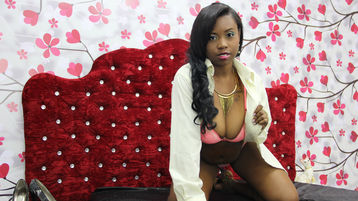 Show-ul fierbinte al lui xfunnyblackx – Fata pe Jasmin