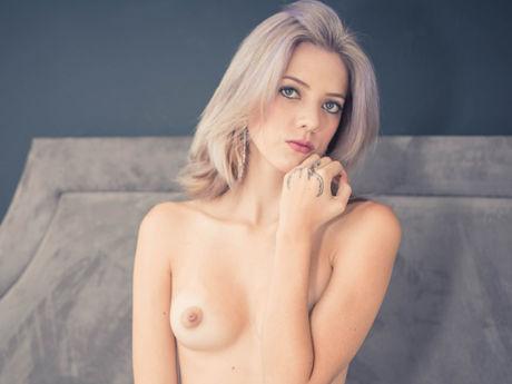 ManuelaSerrano | Stackmodelscandycams