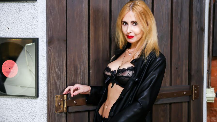 BlondySexyLadi | MyCams