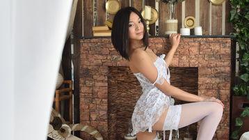 Show fierbinte la webcam MikkaLoveX  – Fata pe Jasmin