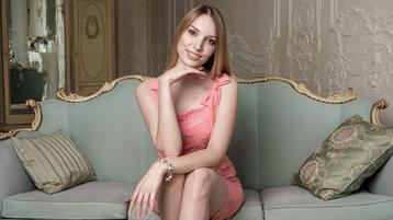 Show di sesso su webcam con SpringFever – Hot Flirt su Jasmin