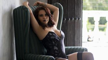 Show fierbinte la webcam AriannaWaynne  – Fata pe Jasmin