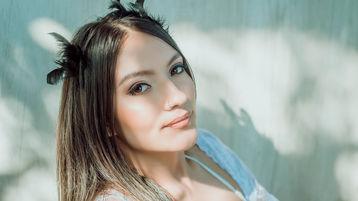 Show di sesso su webcam con CHARLOTTEWHITEE – Donna su Jasmin