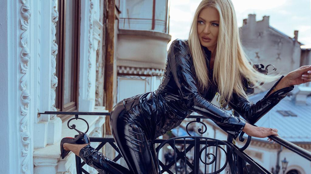 DivaKitty's hot webcam show – Girl on LiveJasmin
