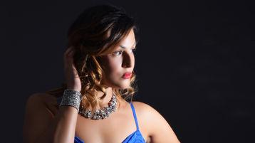 Show-ul fierbinte al lui FelicityStorm – Fata pe Jasmin
