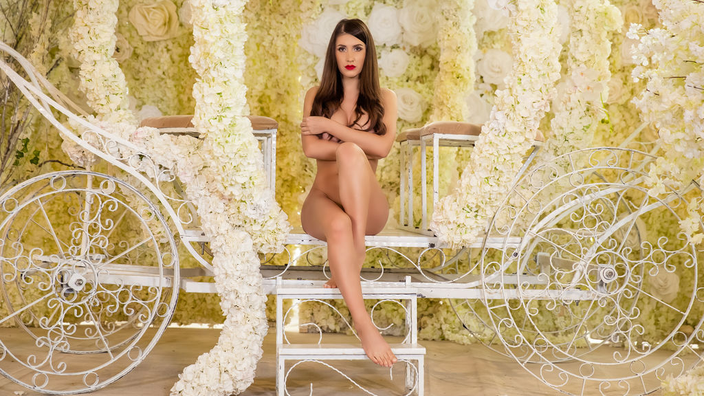 SasshaRed's hot webcam show – Girl on LiveJasmin