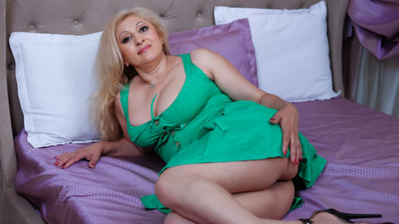 MatureXxxKisssx's profile picture – Mature Woman on LiveJasmin