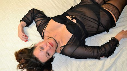 hotbrunettemilfx's profile picture – Mature Woman on LiveJasmin