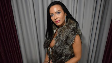 Show-ul fierbinte al lui IrresistibleKely – Femeie Matura pe Jasmin